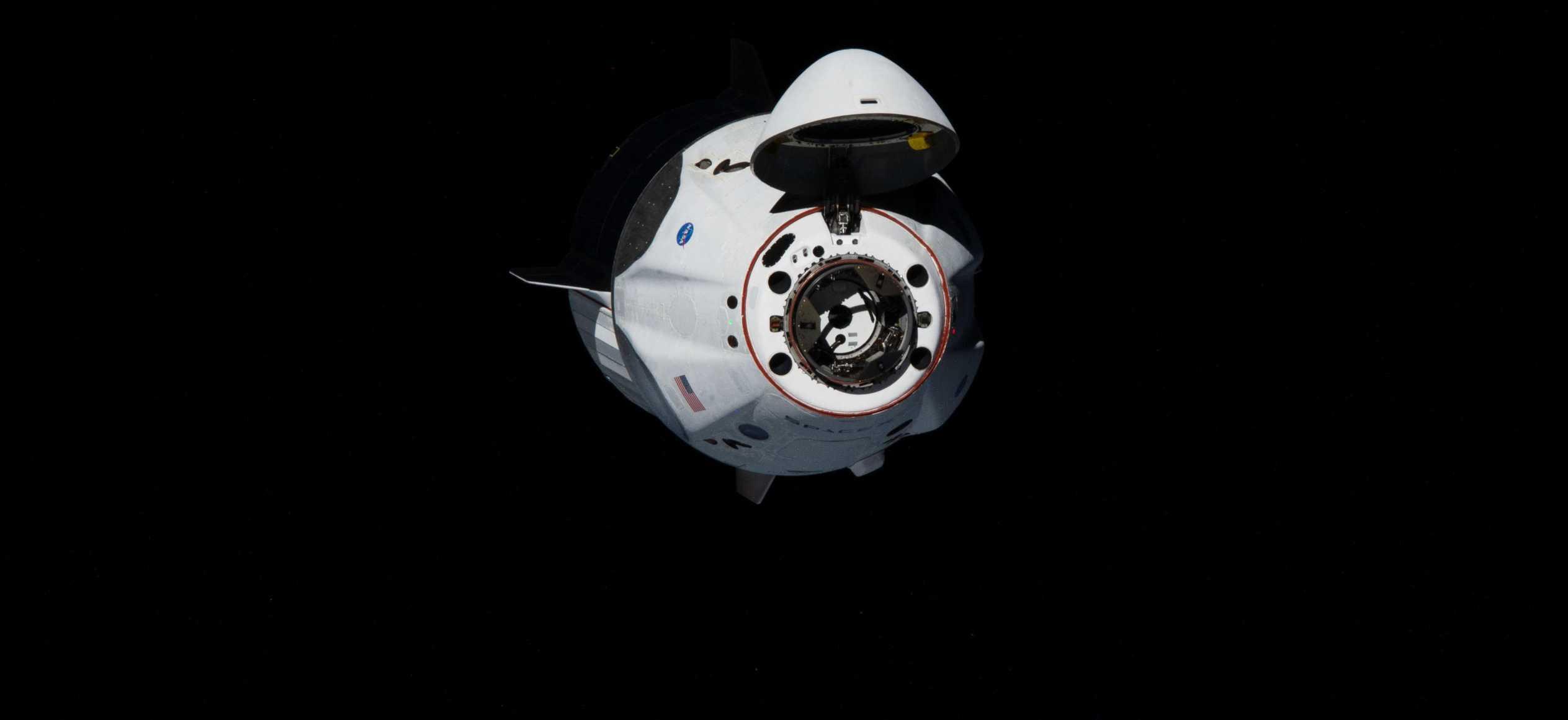 Crew Dragon C206 Demo-2 ISS arrival 053120 (NASA) 2 crop (c)