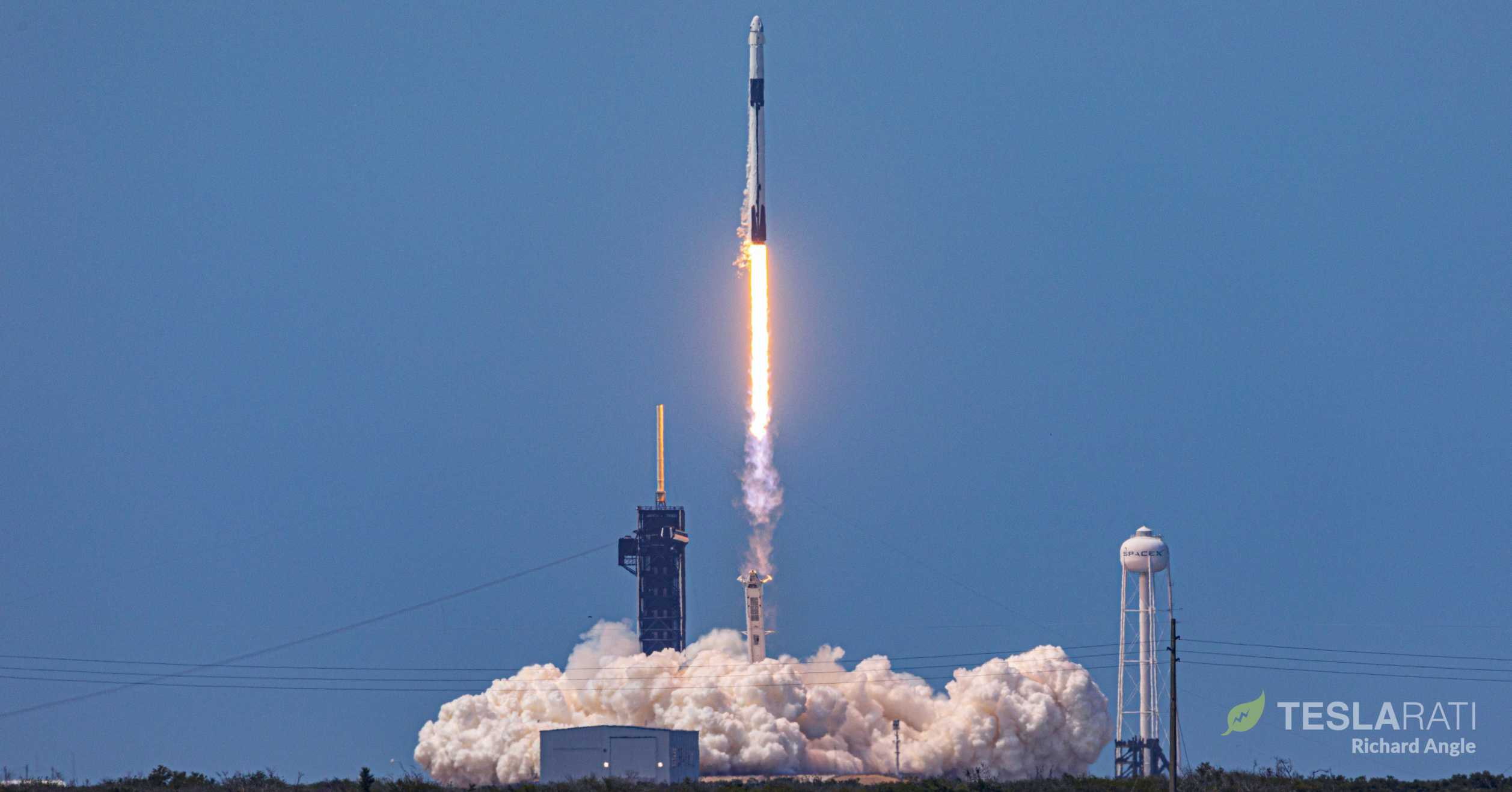 Crew Dragon Demo-2 Falcon 9 B1058 C206 39A launch 053020 (Richard Angle) 1 crop (c)