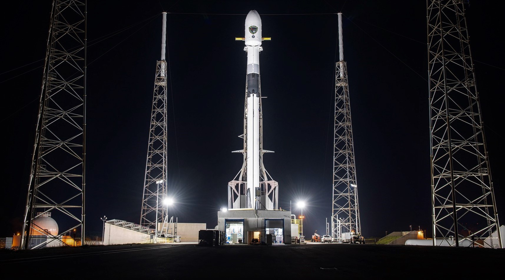 GPS III SV03 Falcon 9 B1060 LC-40 062930 (SpaceX) 1 crop