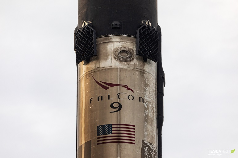 Starlink V1 L7 Falcon 9 B1049 JRTI return 060720 (Richard Angle) (1)
