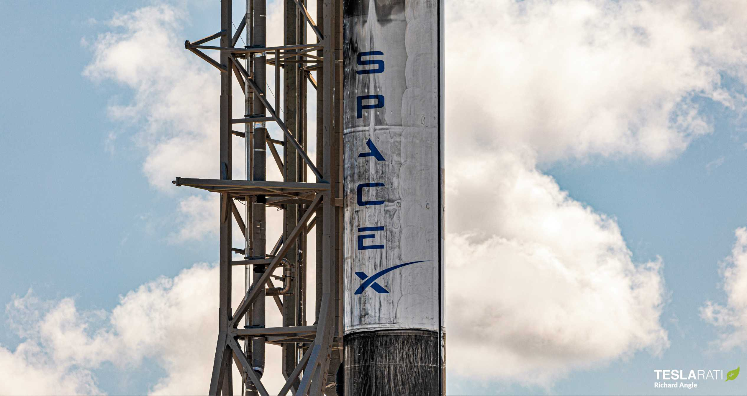Starlink V1 L8 Falcon 9 B1059 LC40 061220 (Richard Angle) prelaunch 5 crop (c)