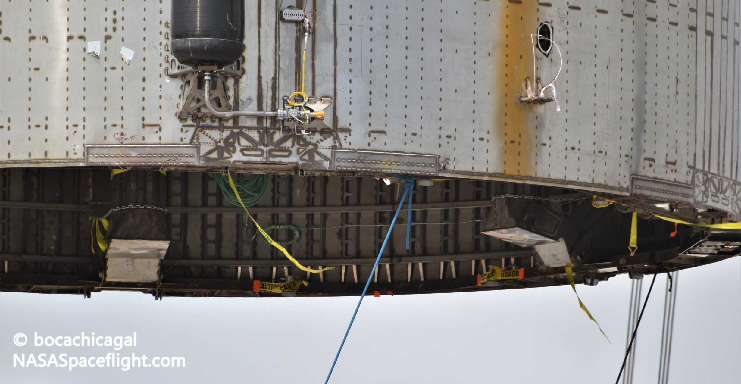 Starship Boca Chica 062420 (NASASpaceflight – bocachicagal) SN5 mount install 6 crop (c)