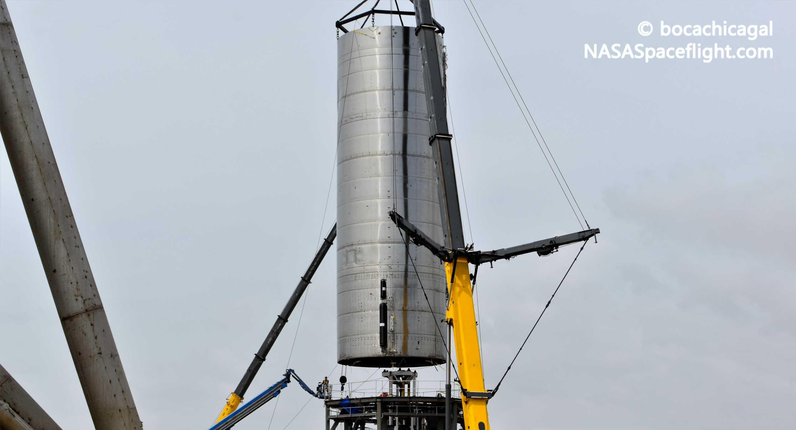 Starship Boca Chica 062420 (NASASpaceflight – bocachicagal) SN5 mount install + SN7 1 crop (c)
