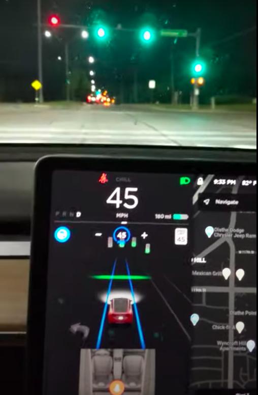 tesla-autopilot-green-light-confirmation-removed