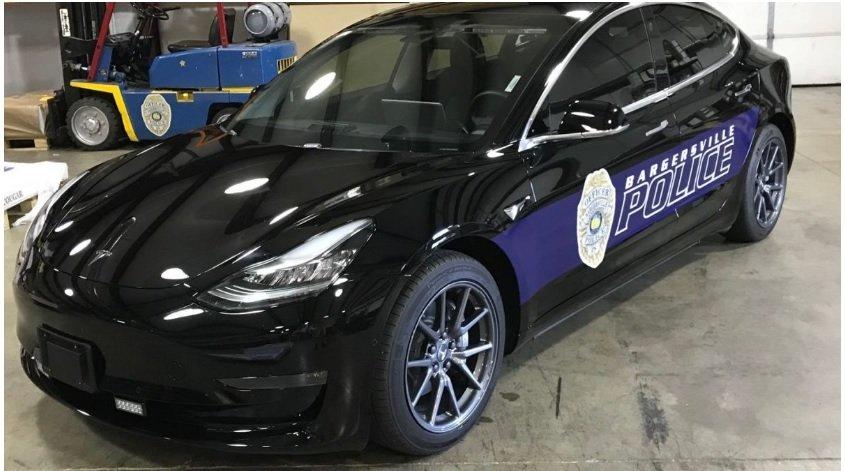 tesla-model-3-police-car