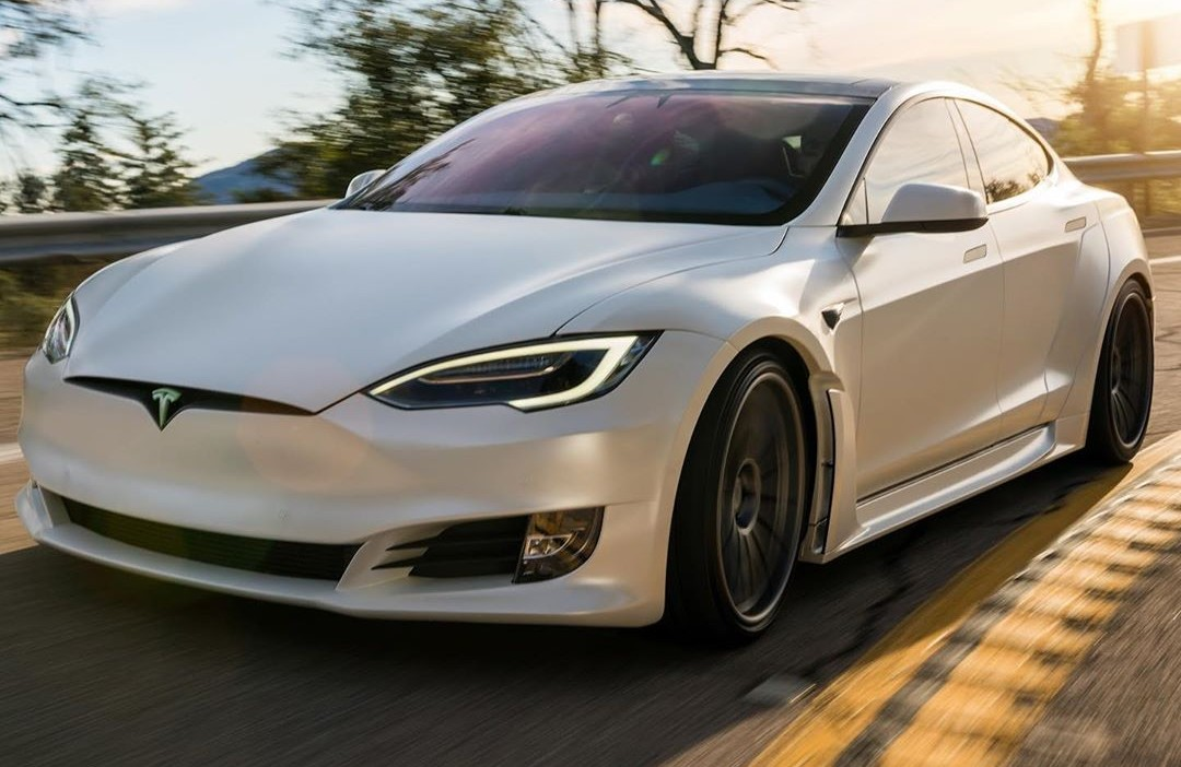 tesla-model-s-plaid-1