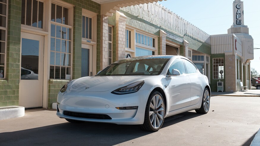 2018-Tesla-Model-3-Performance-road-trip-Route-66-9