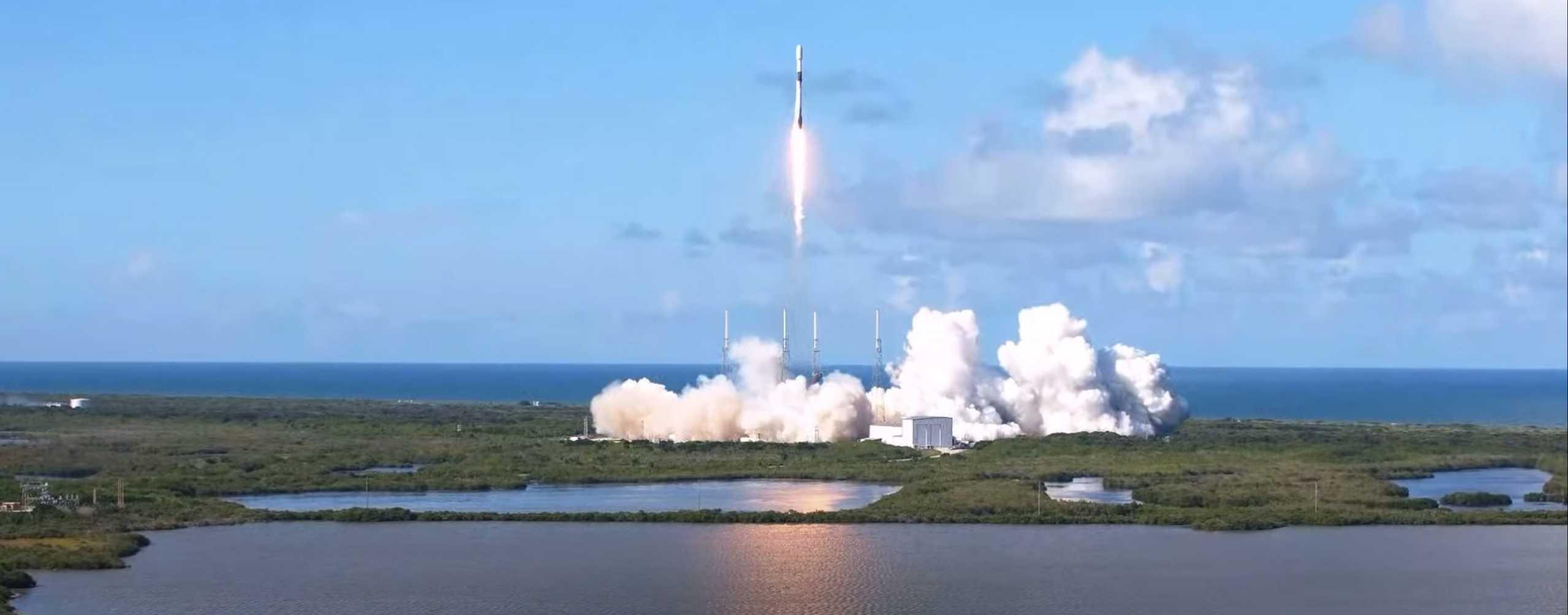 ANASIS II Falcon 9 B1058 LC-40 072020 (SpaceX) liftoff 2 (c)