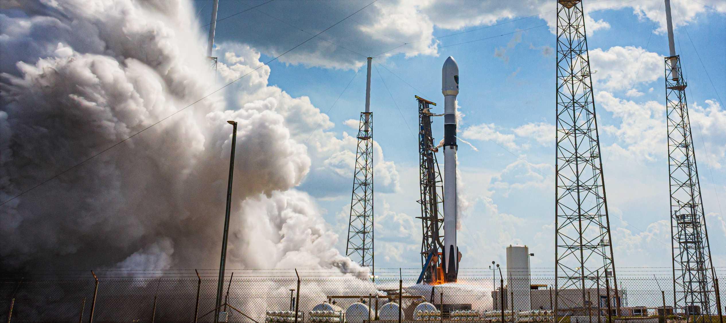 GPS III SV03 Falcon 9 B1060 063020 (Richard Angle) launch 5 crop 2 (c)
