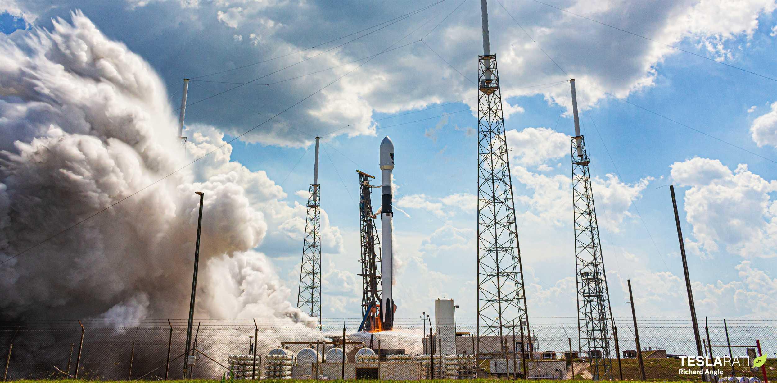GPS III SV03 Falcon 9 B1060 063020 (Richard Angle) launch 5 crop (c)