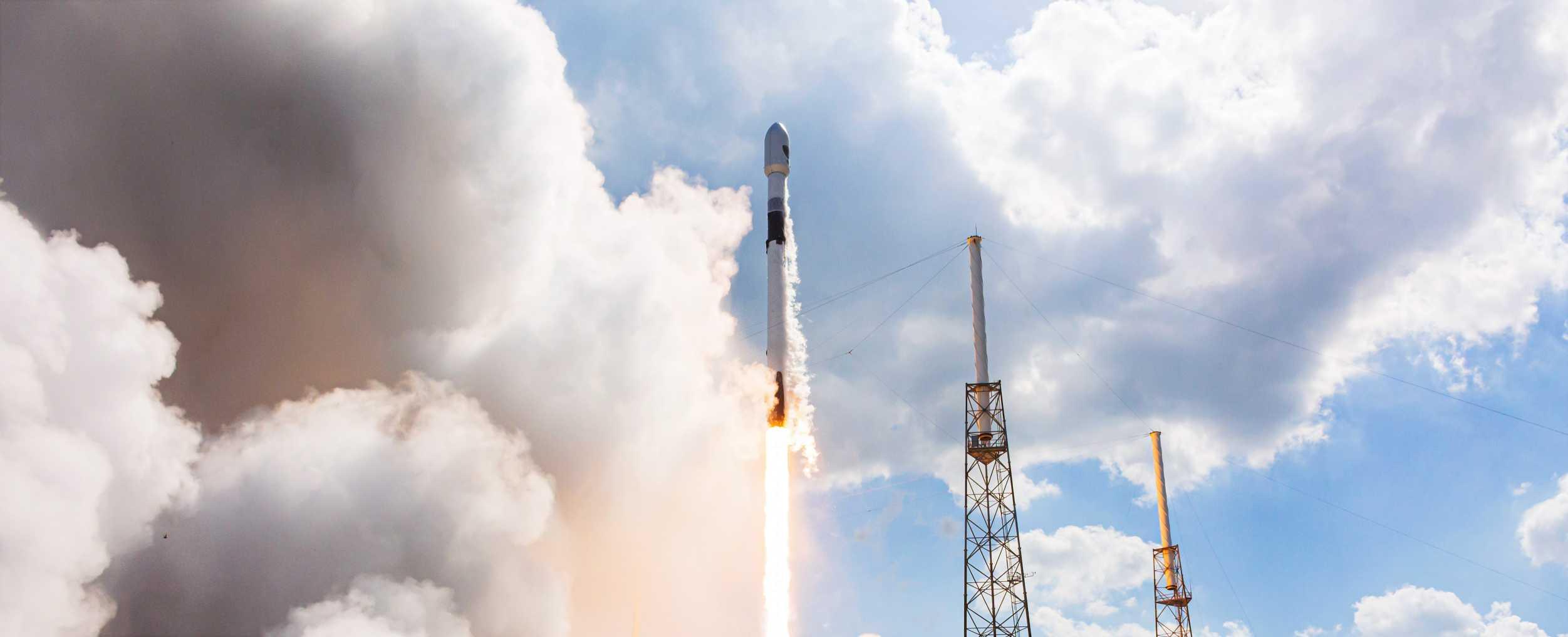 GPS III SV03 Falcon 9 B1060 063020 (Richard Angle) launch 7 crop (c)