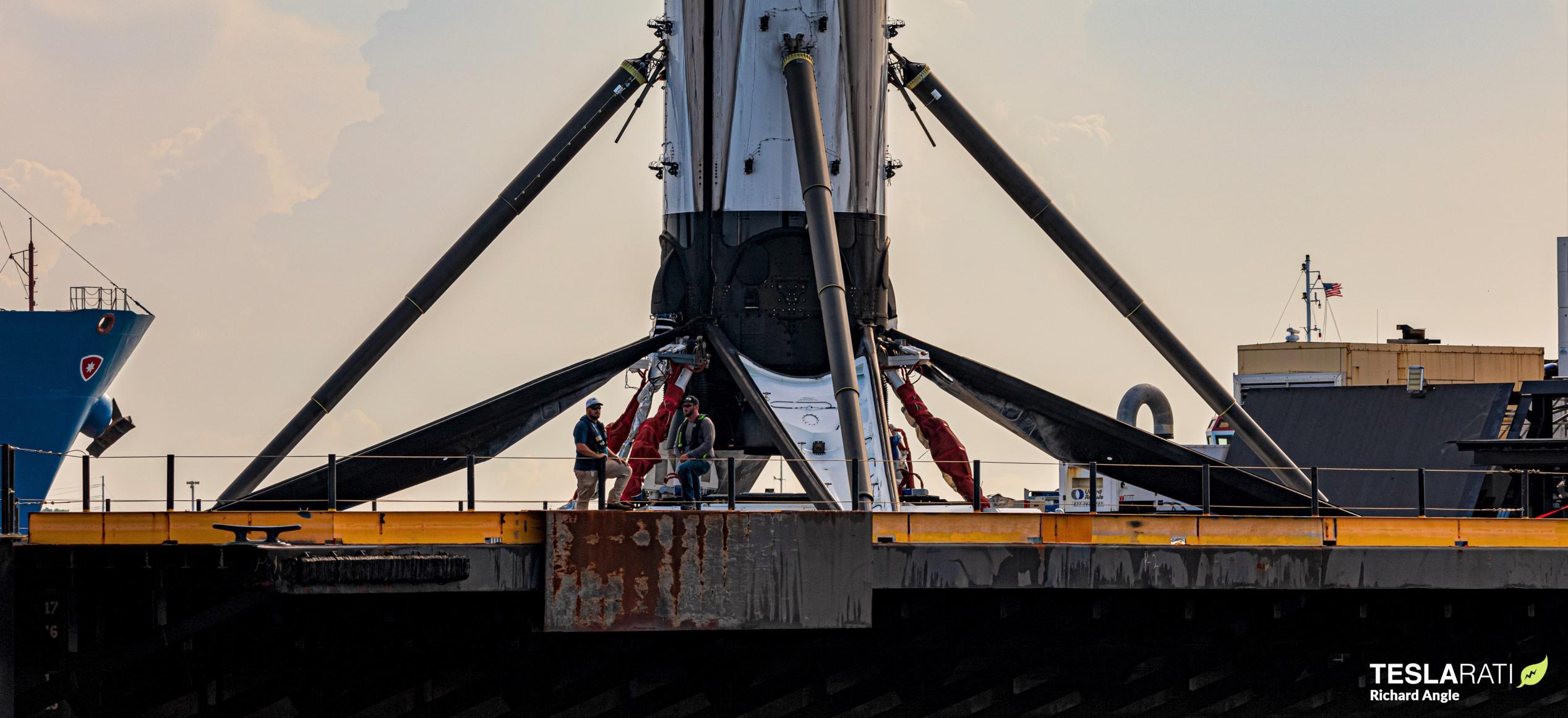 GPS III SV03 Falcon 9 B1060 070420 (Richard Angle) OCISLY return 5 edit crop 1 (c)
