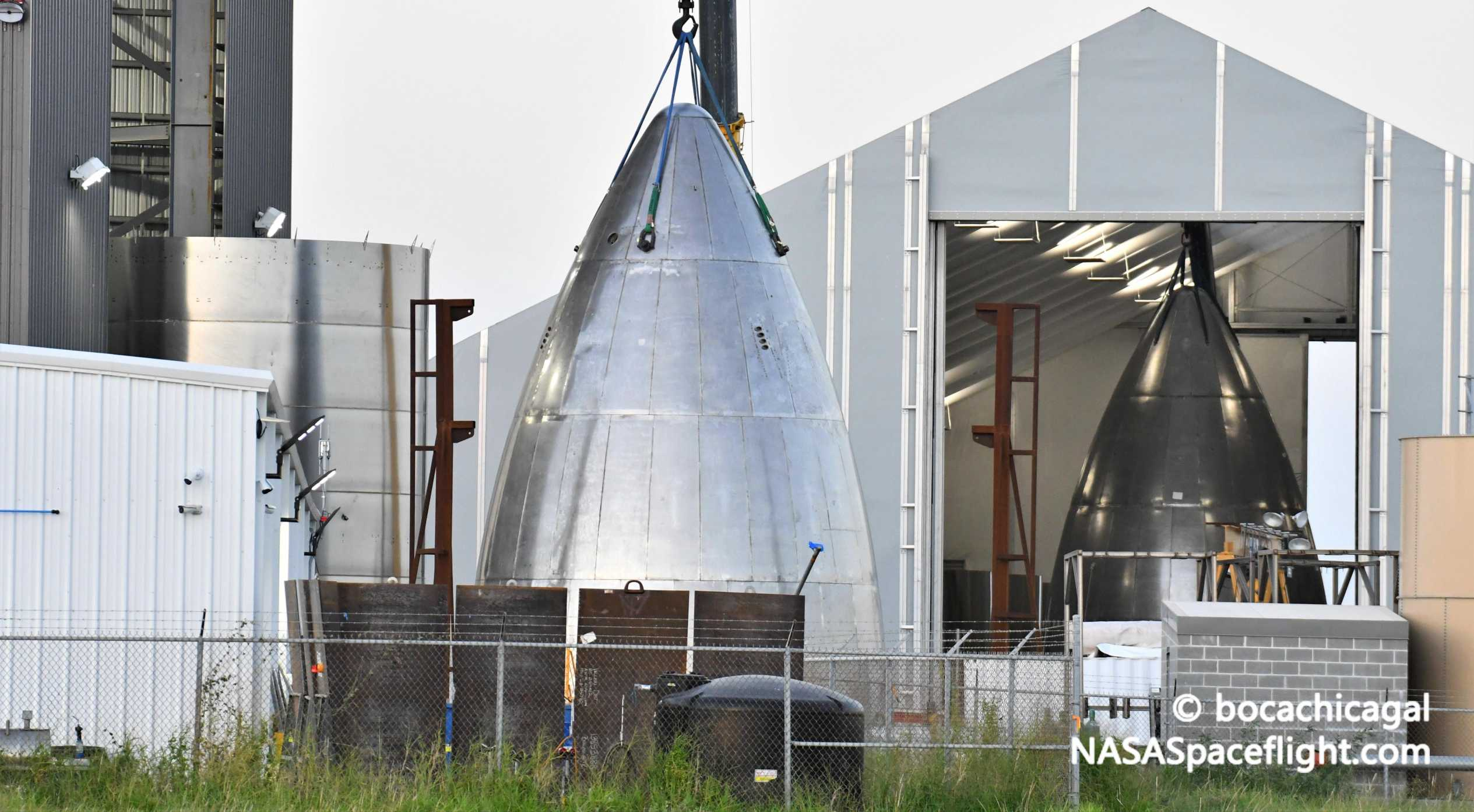 Starship Boca Chica 071420 (NASASpaceflight – bocachicagal) nose stack 1 crop (c)