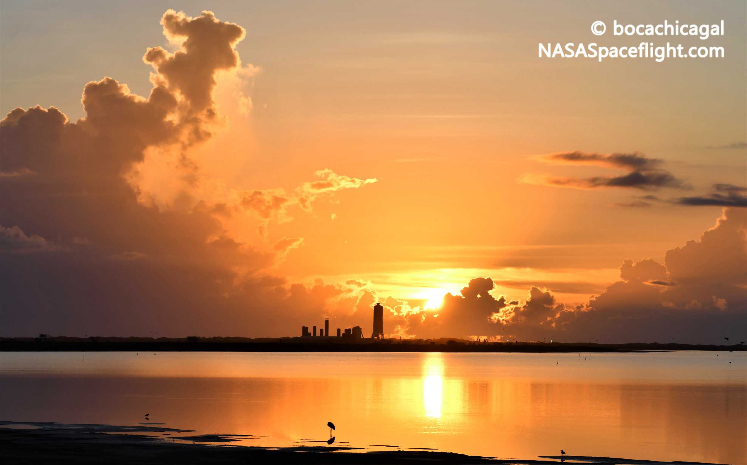 Starship Boca Chica 072220 (NASASpaceflight – bocachicagal) SN5 pad sunrise 1 crop (c)