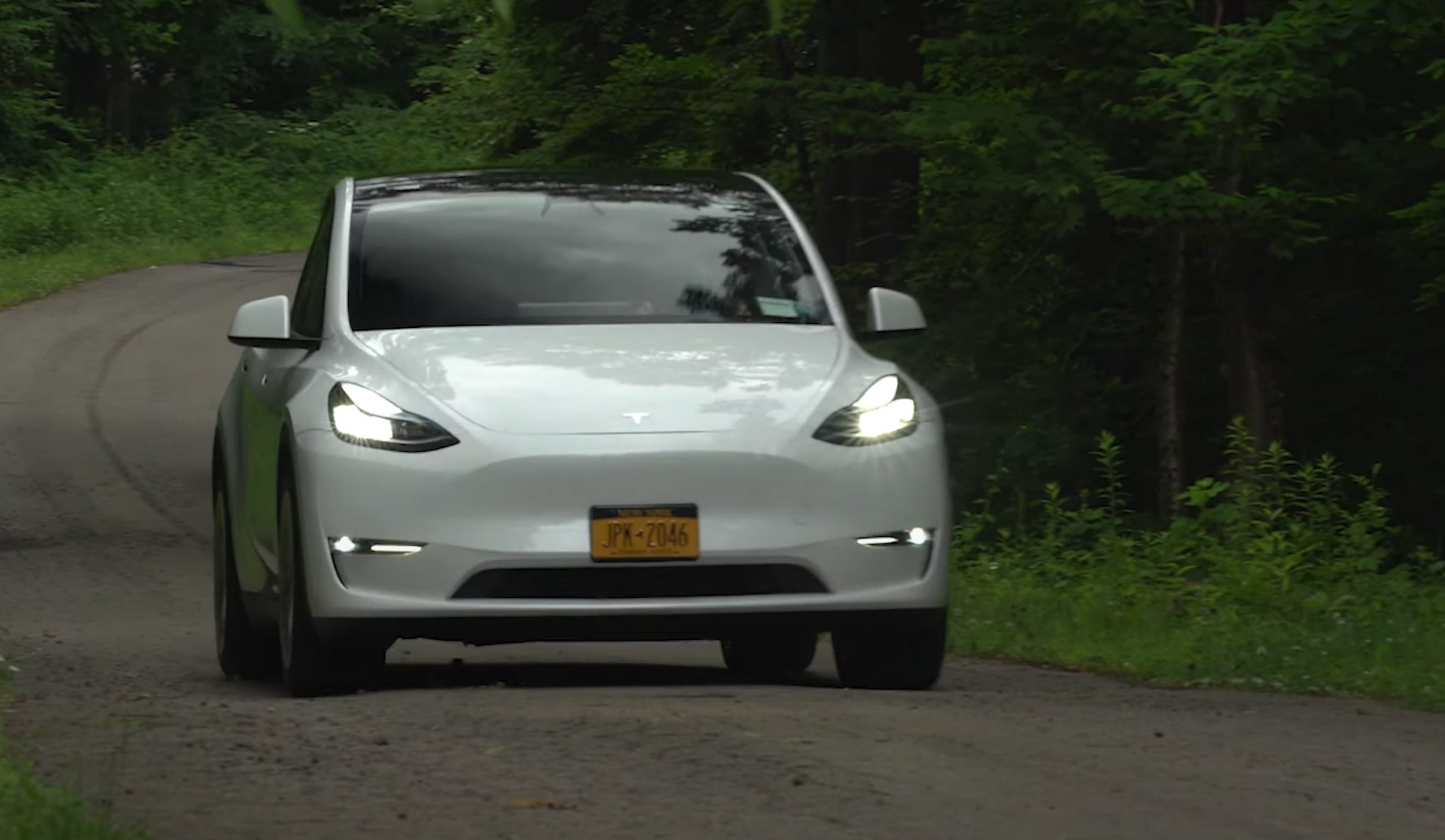 tesla-model-y-consumer-reports-review