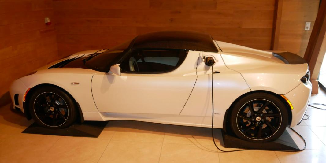 tesla-roadster-2500-vin-4