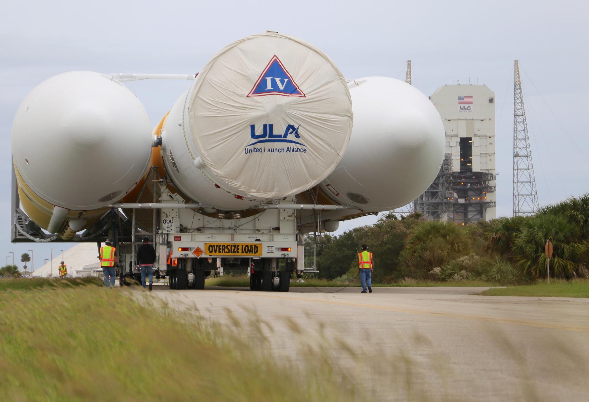 ULA Delta IV Heavy on roll