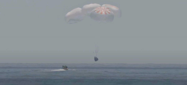 Demo-2 Crew Dragon splashdown 080220 (SpaceX) 1 crop (c)