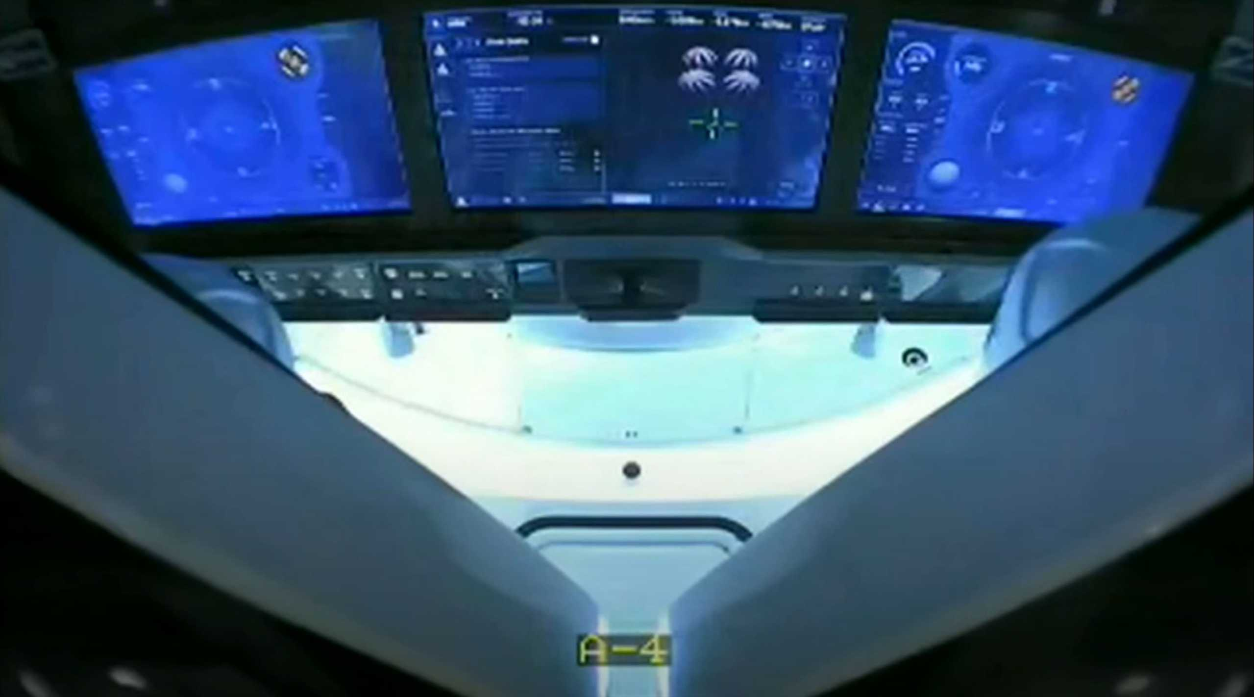 Demo-2 Crew Dragon splashdown 080220 (SpaceX) 3 (c)