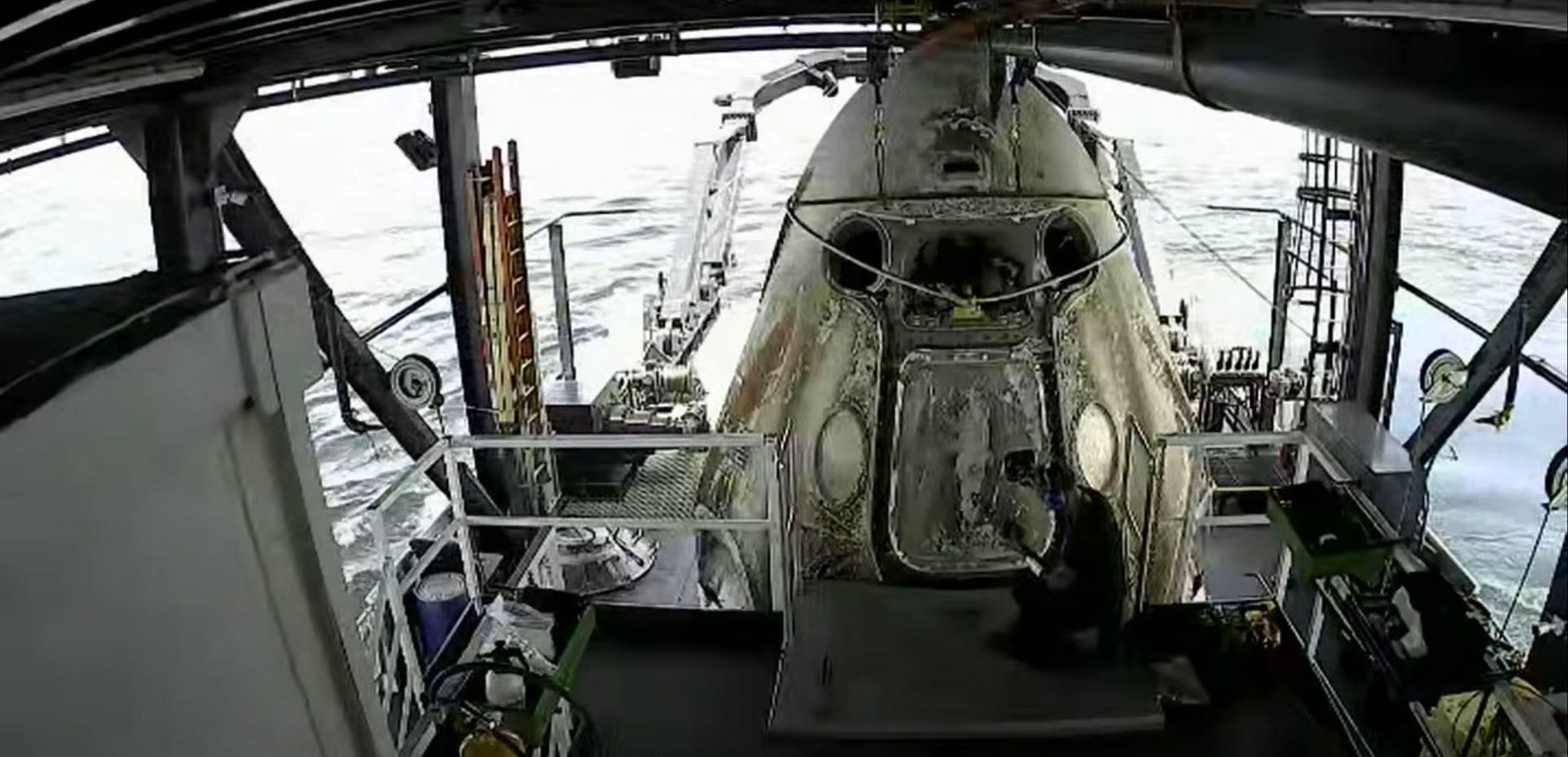Demo-2 Crew Dragon splashdown 080220 (SpaceX) 4