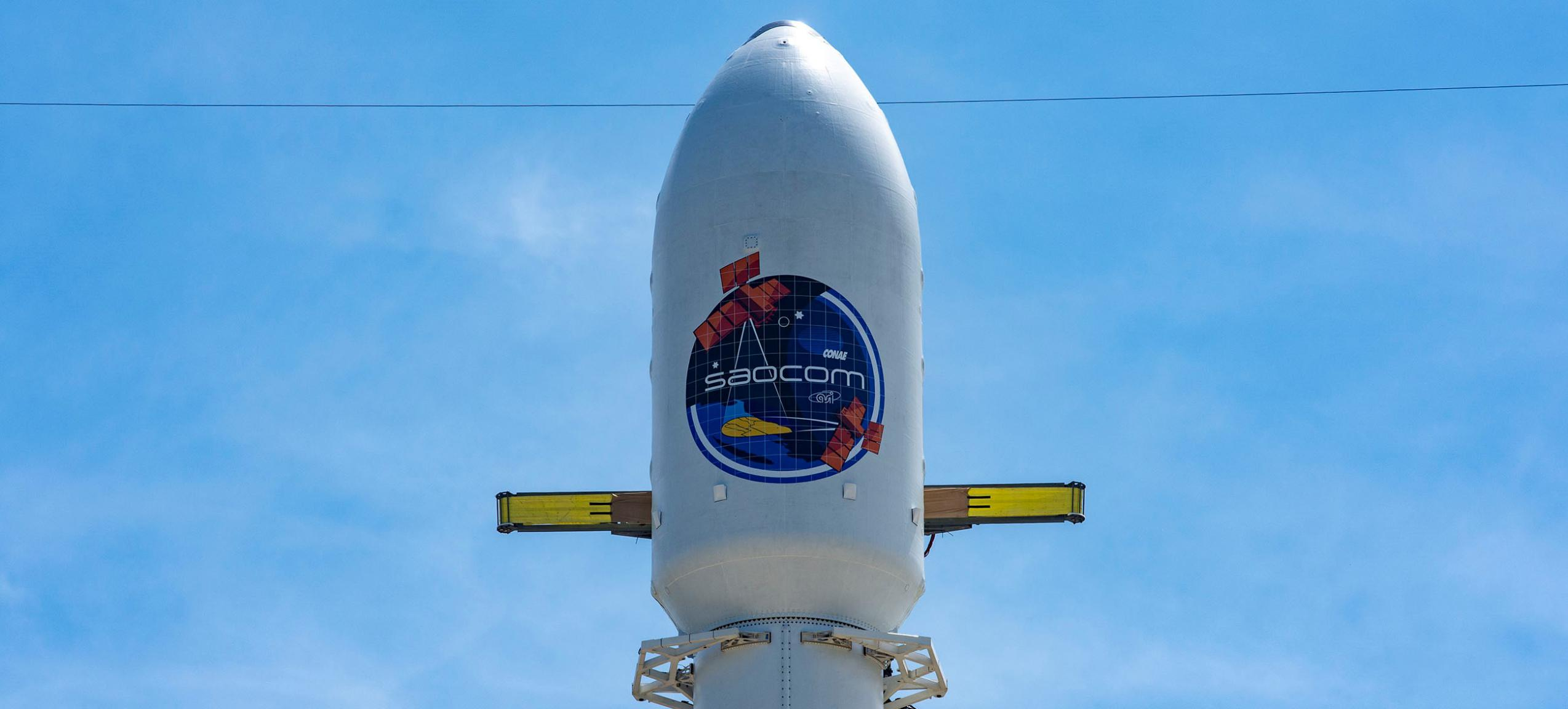 SAOCOM 1B Falcon 9 B1059 LC-40 (SpaceX) prelaunch fairing 1 crop (c)