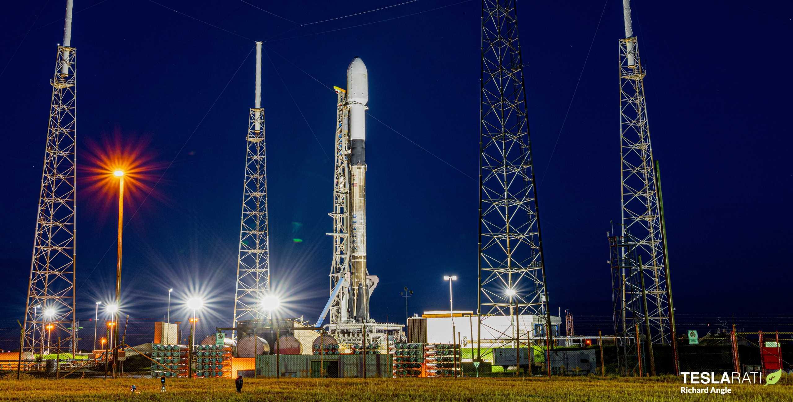 Starlink-10 SkySat Falcon 9 B1049 081820 (Richard Angle) LC-40 prelaunch 1 crop (c)