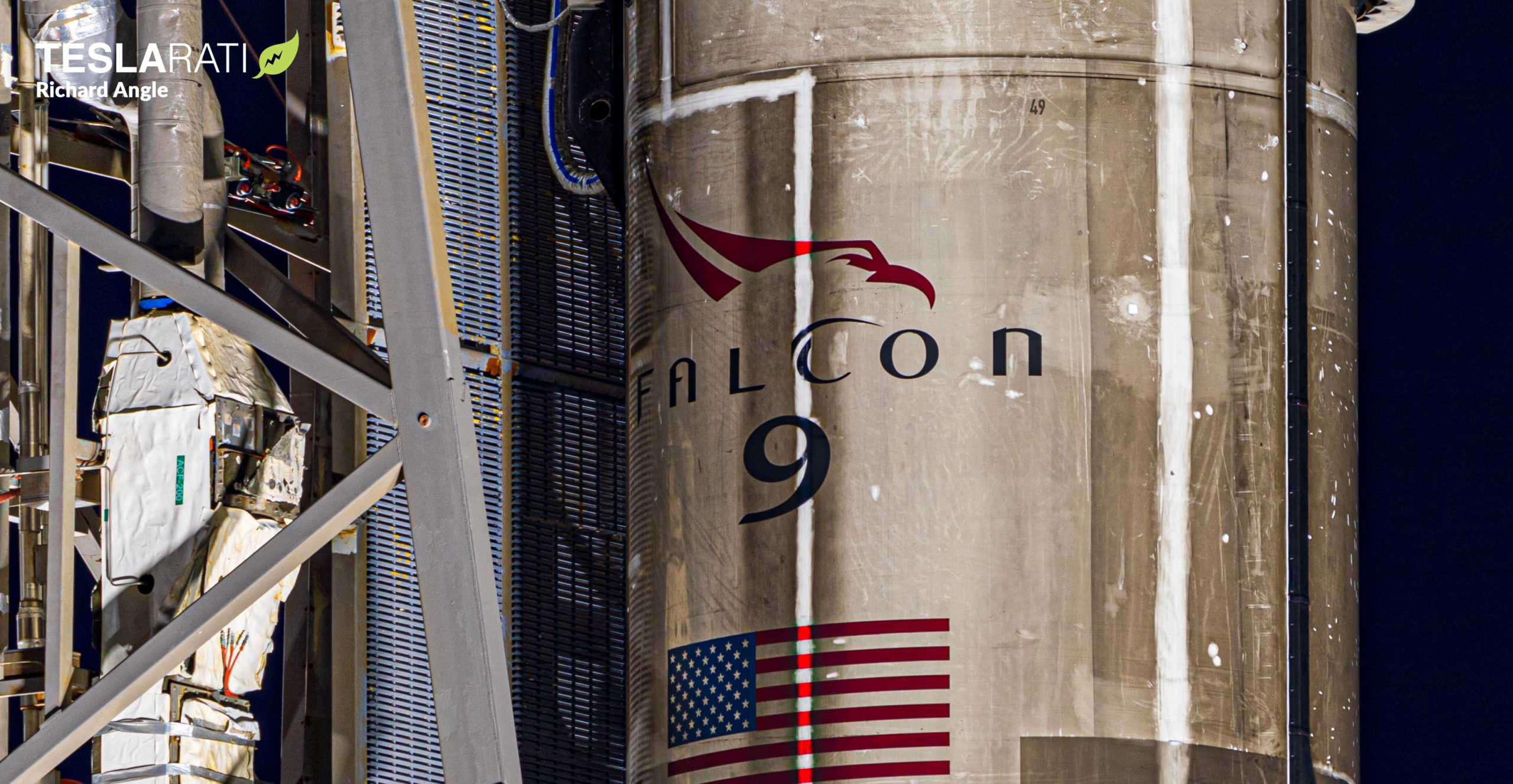 Starlink-10 SkySat Falcon 9 B1049 081820 (Richard Angle) prelaunch 1 crop (c)