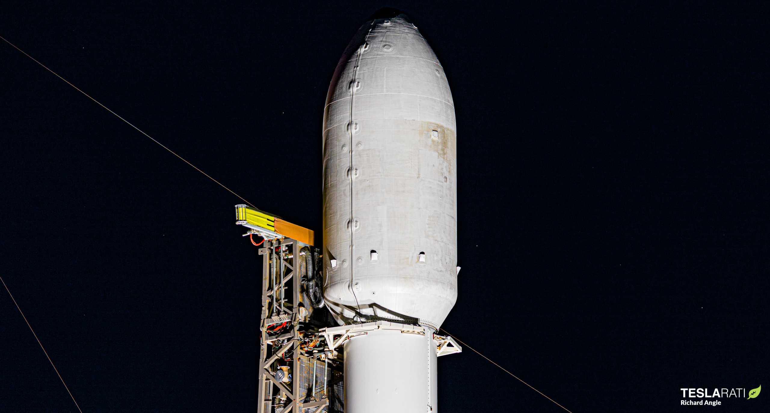 Starlink-10 SkySat Falcon 9 B1049 081820 (Richard Angle) prelaunch fairing 1 (c)