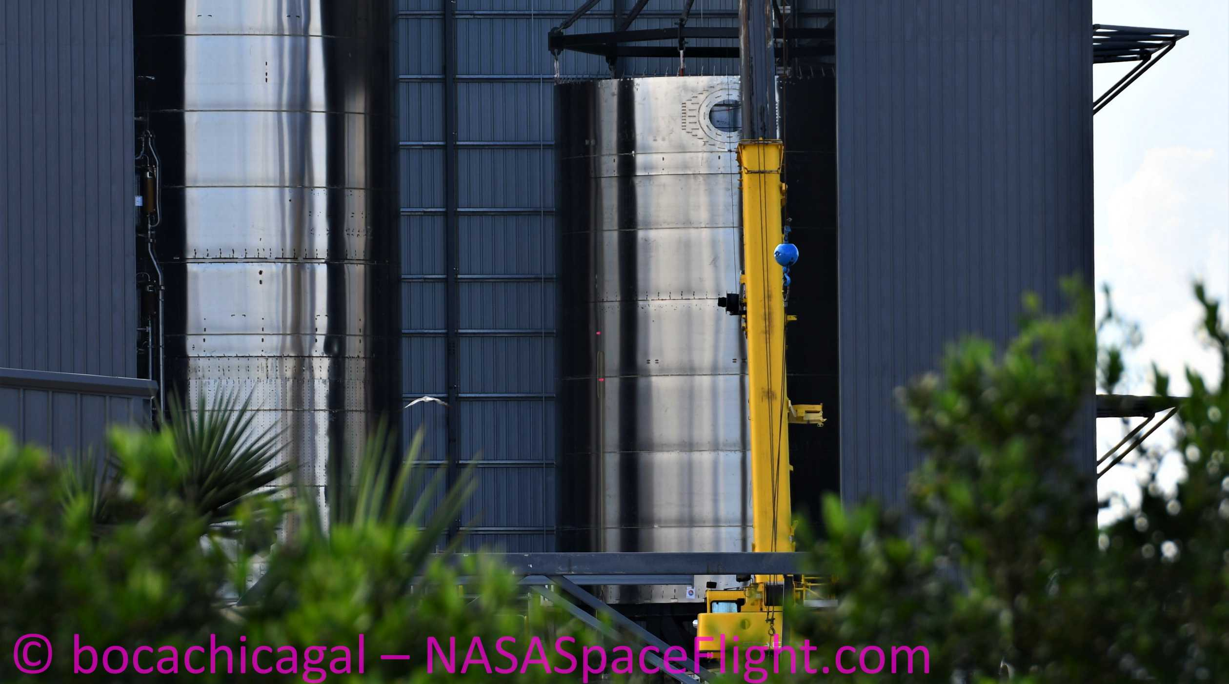 Starship Boca Chica 080520 (NASASpaceflight – bocachicagal) SN8 stacking 1 crop (c)
