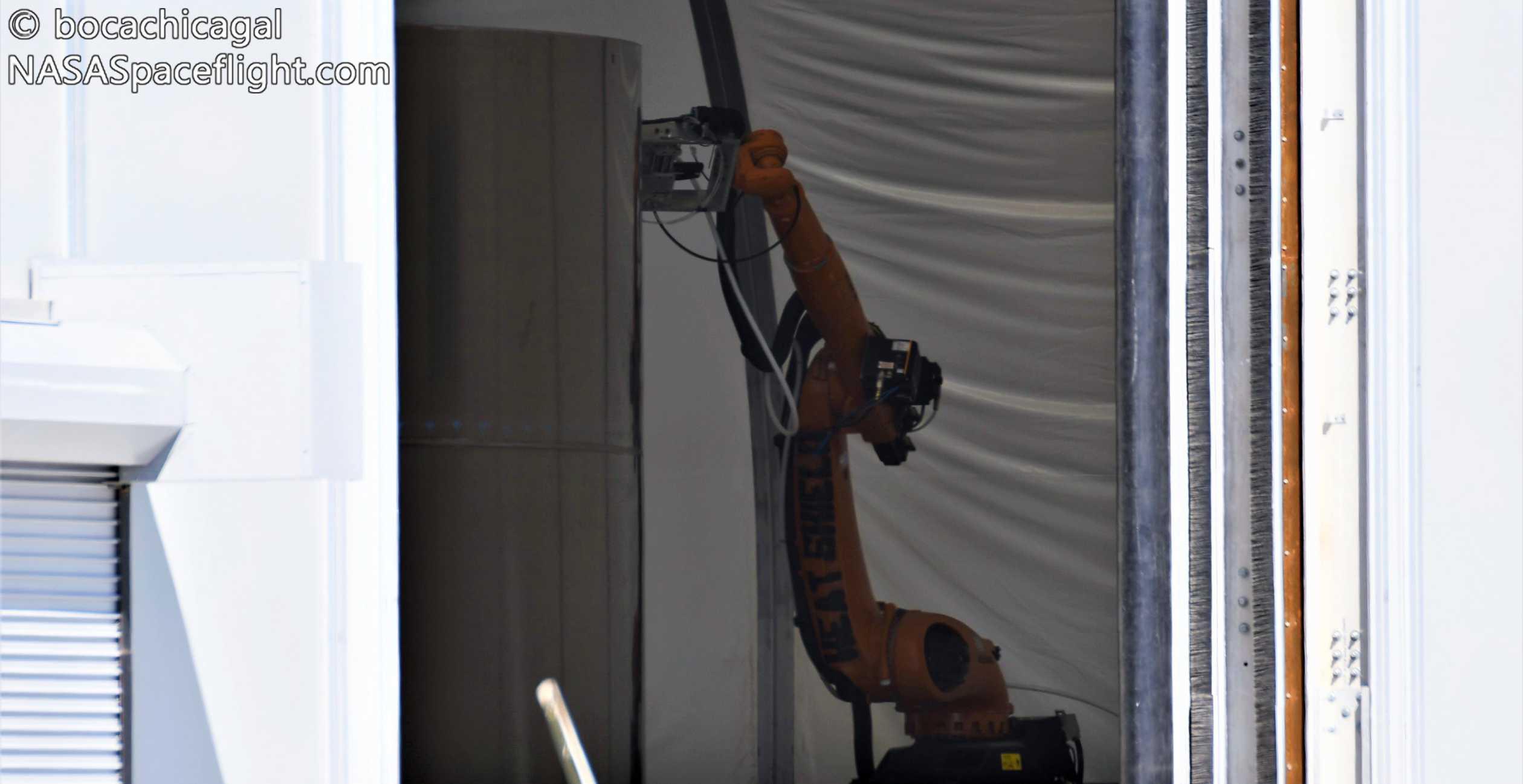 Starship Boca Chica 080520 (NASASpaceflight – bocachicagal) heat shield robot 1 crop (c)