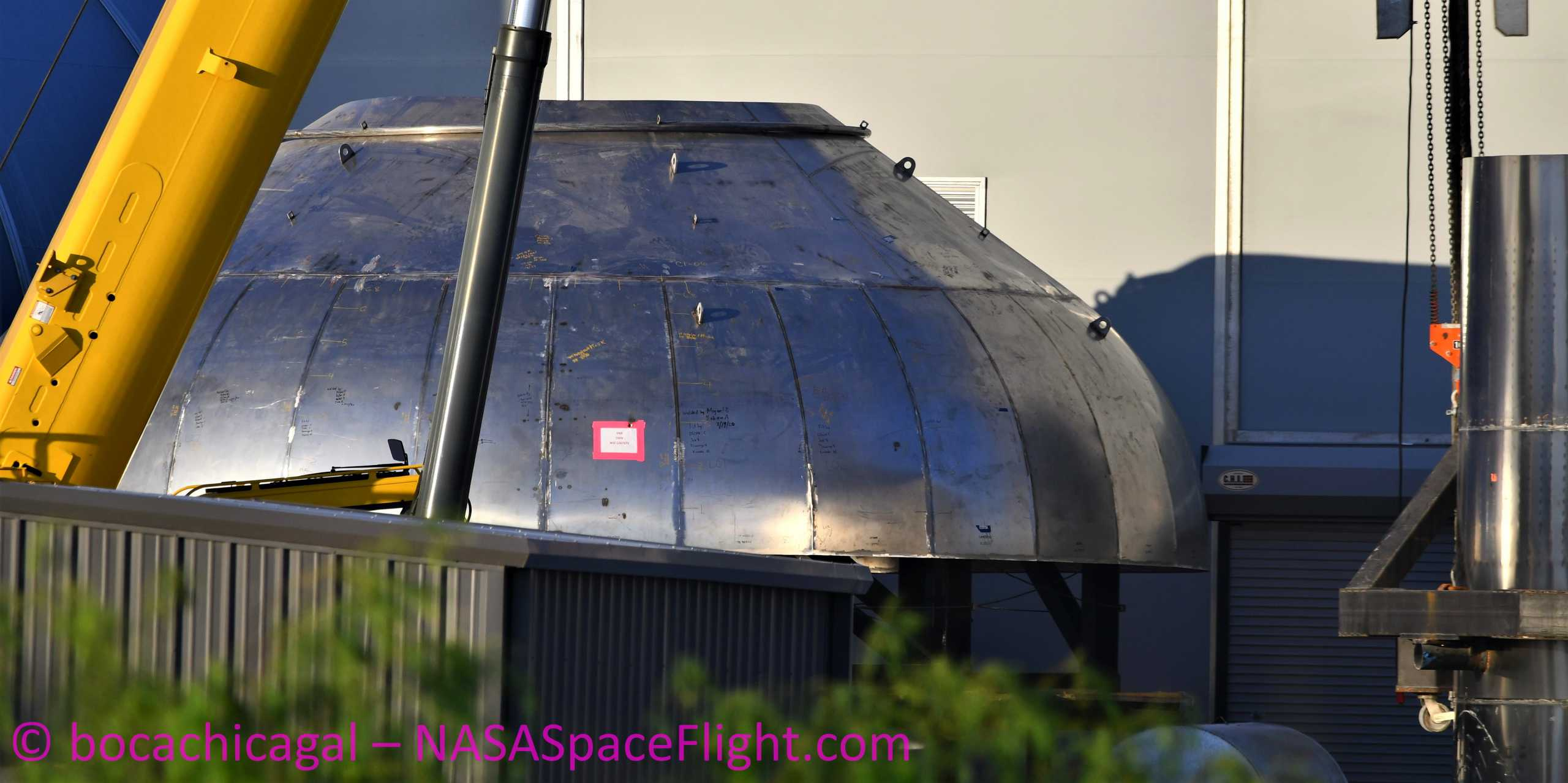 Starship Boca Chica 081520 (NASASpaceflight – bocachicagal) SN9 common dome work 1 crop (c)
