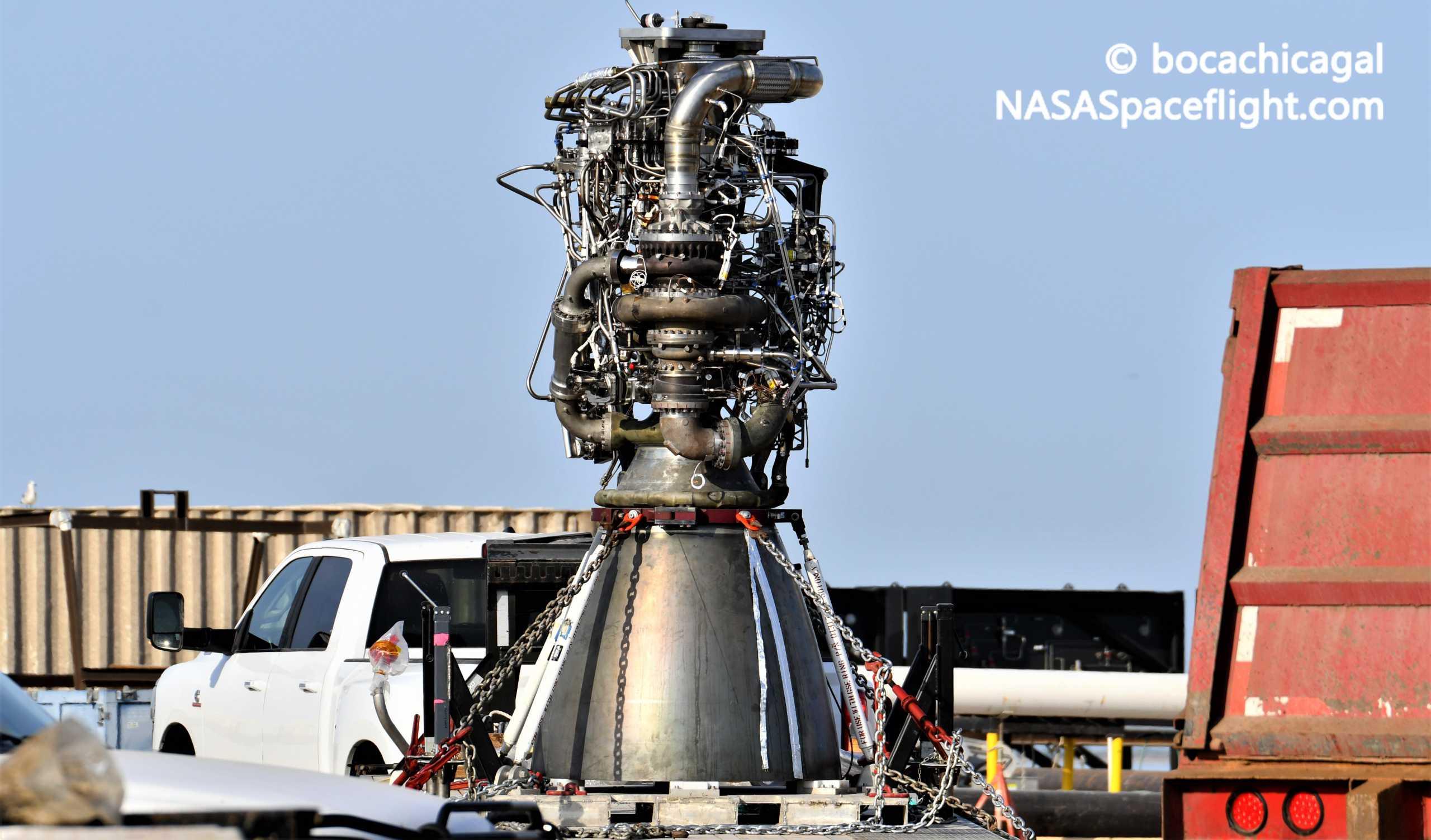 Starship Boca Chica 081820 (NASASpaceflight – bocachicagal) SN6 Raptor SN29 install 1 crop (c)