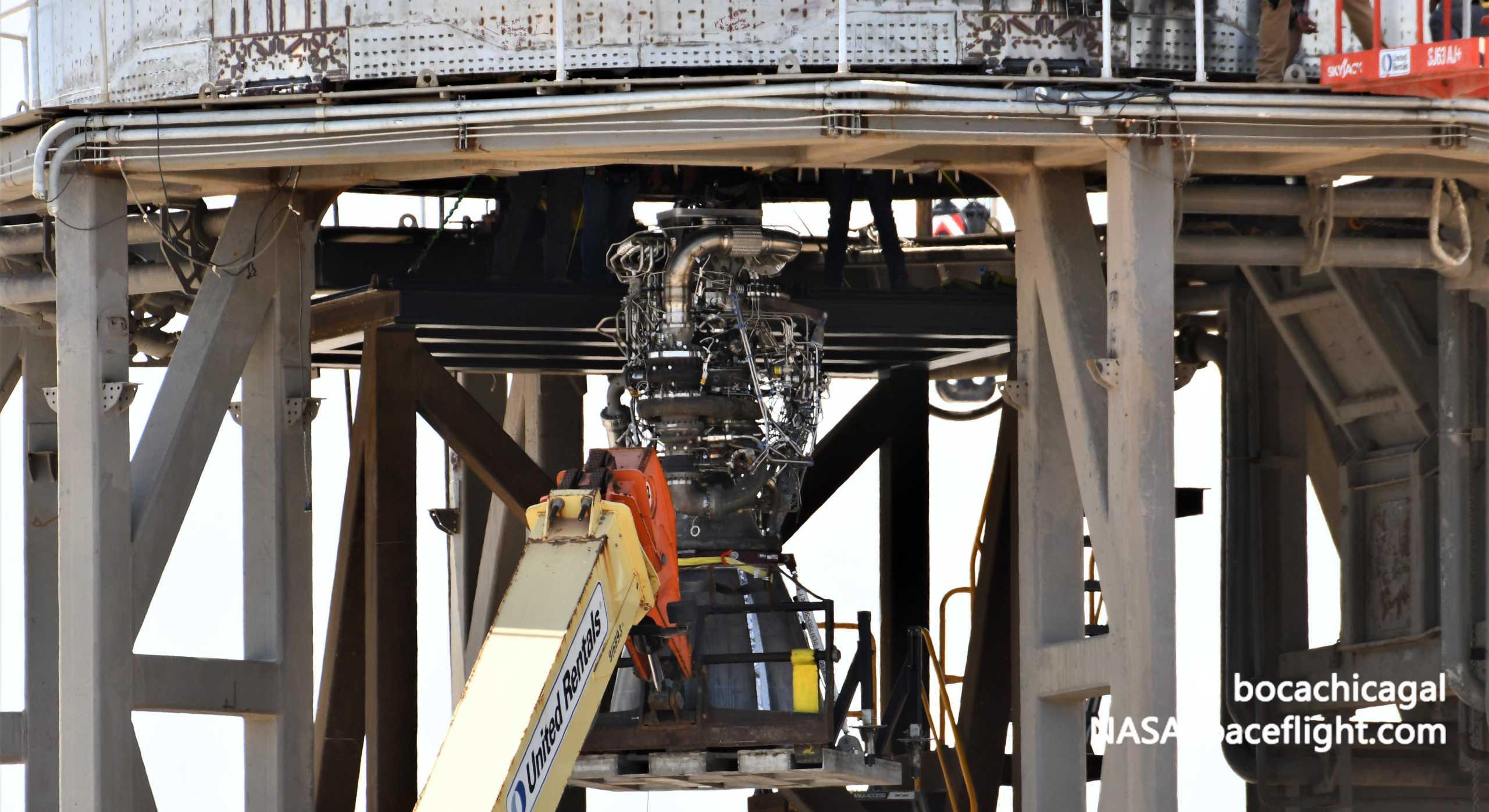 Starship Boca Chica 081820 (NASASpaceflight – bocachicagal) SN6 Raptor SN29 install 5 crop (c)