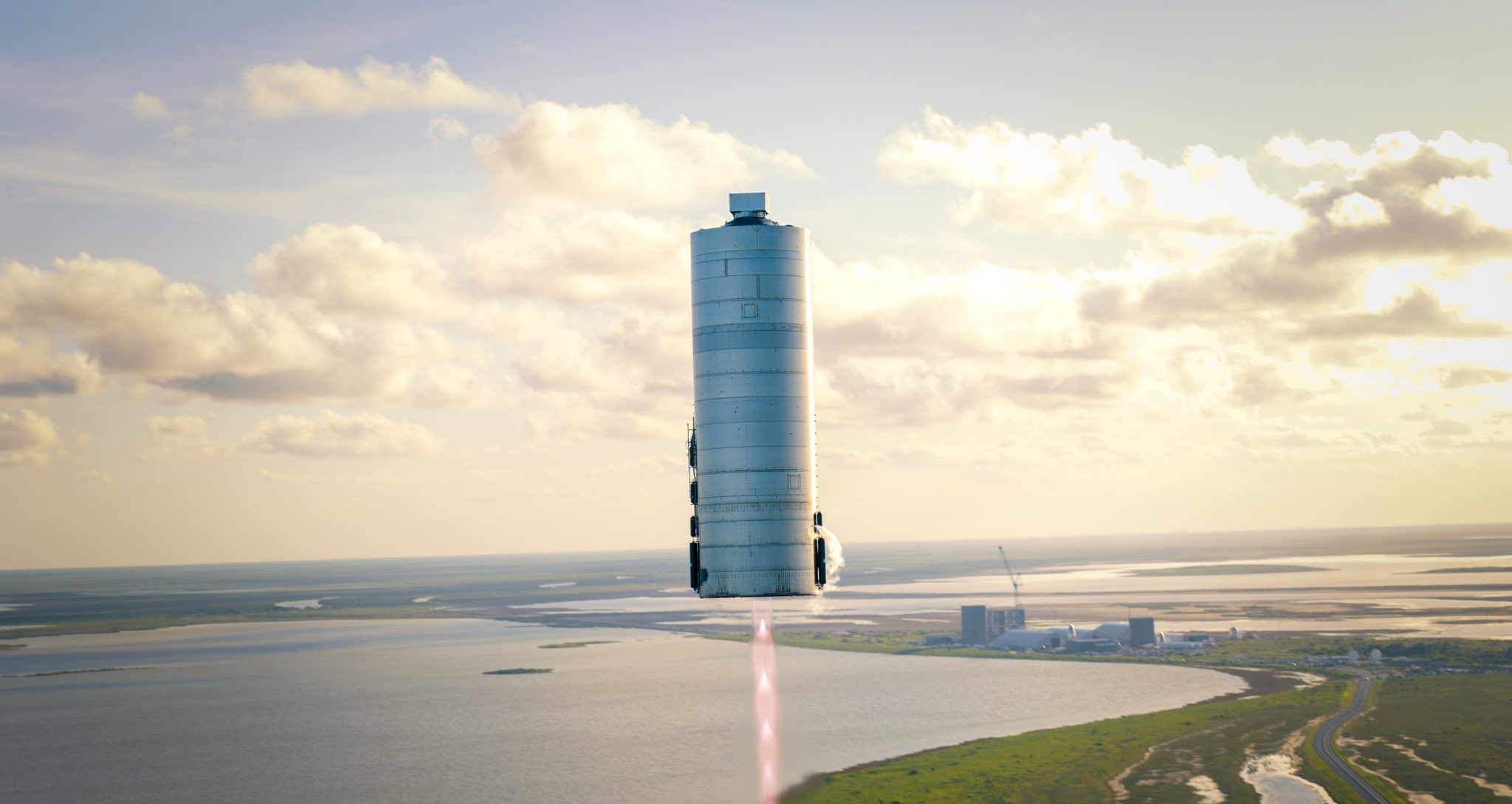 Starship SN5 hop debut 080420 (SpaceX) 5jpg