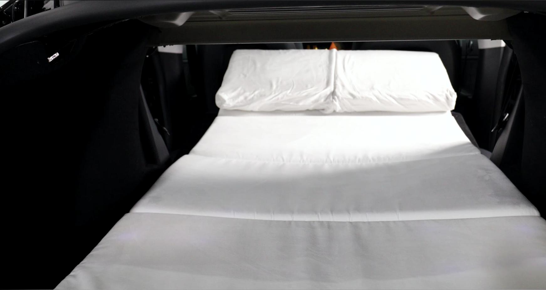 tesla-dreamcase-model-y-mattress