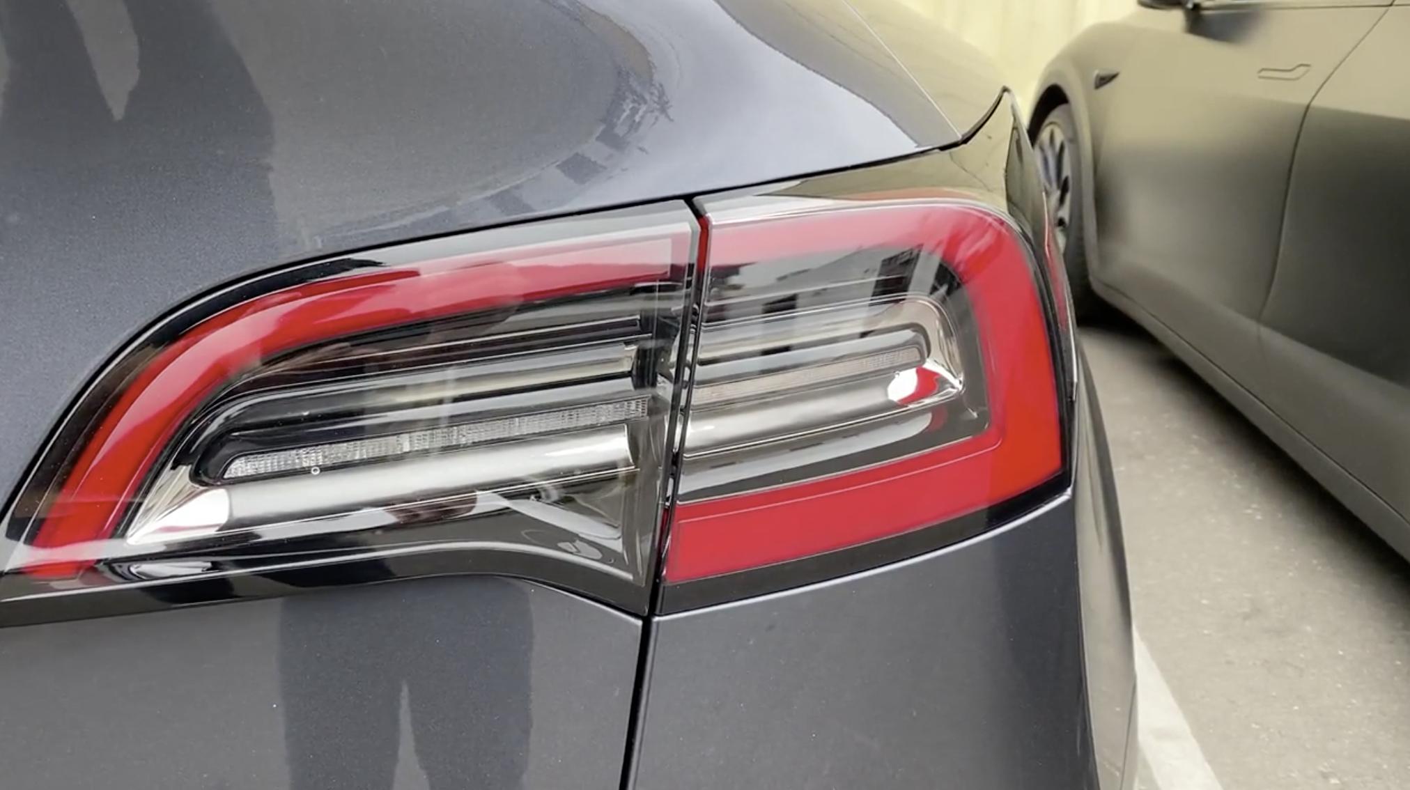 tesla-model-y-new-taillight-design