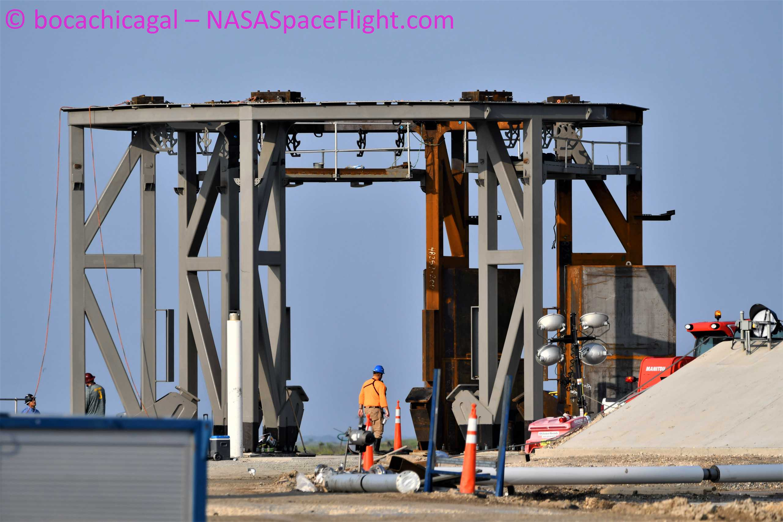 Starship Boca Chica 092020 (NASASpaceflight – bocachicagal) launch mount #3 1 (c)
