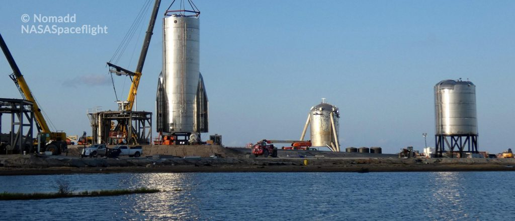 SpaceX's first high-altitude Starship fitted with flaps and rolled to the launch pad