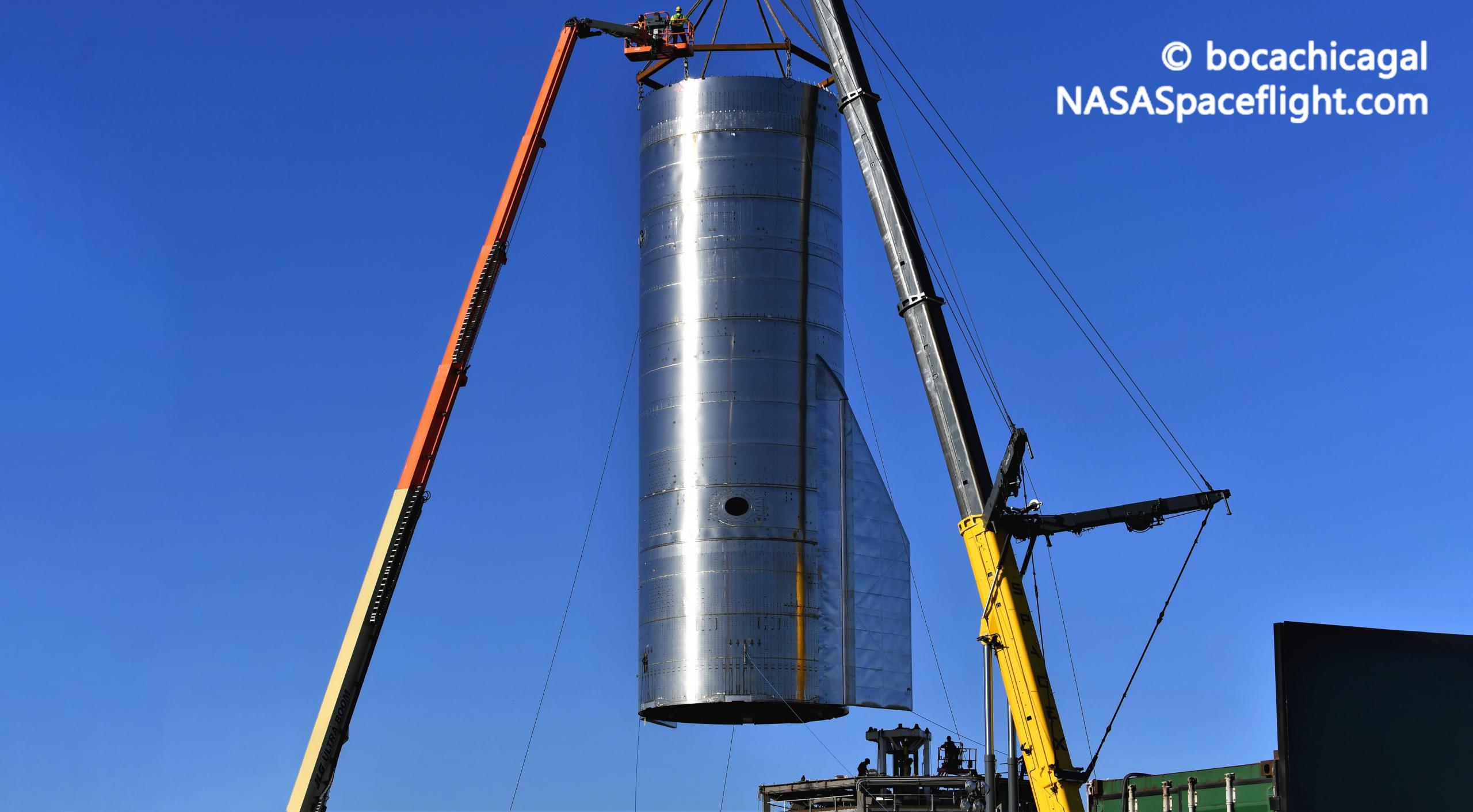 Starship Boca Chica 093020 (NASASpaceflight – bocachicagal) SN8 mount lift 10 edit (c)