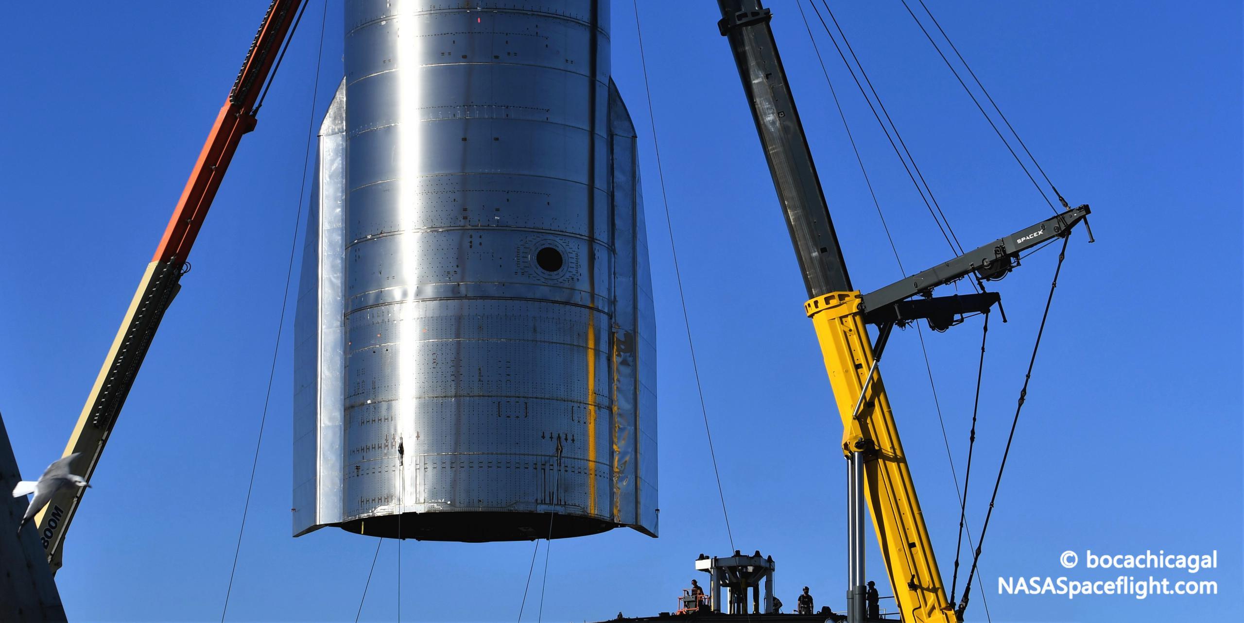 Starship Boca Chica 093020 (NASASpaceflight – bocachicagal) SN8 mount lift 9 crop (c)