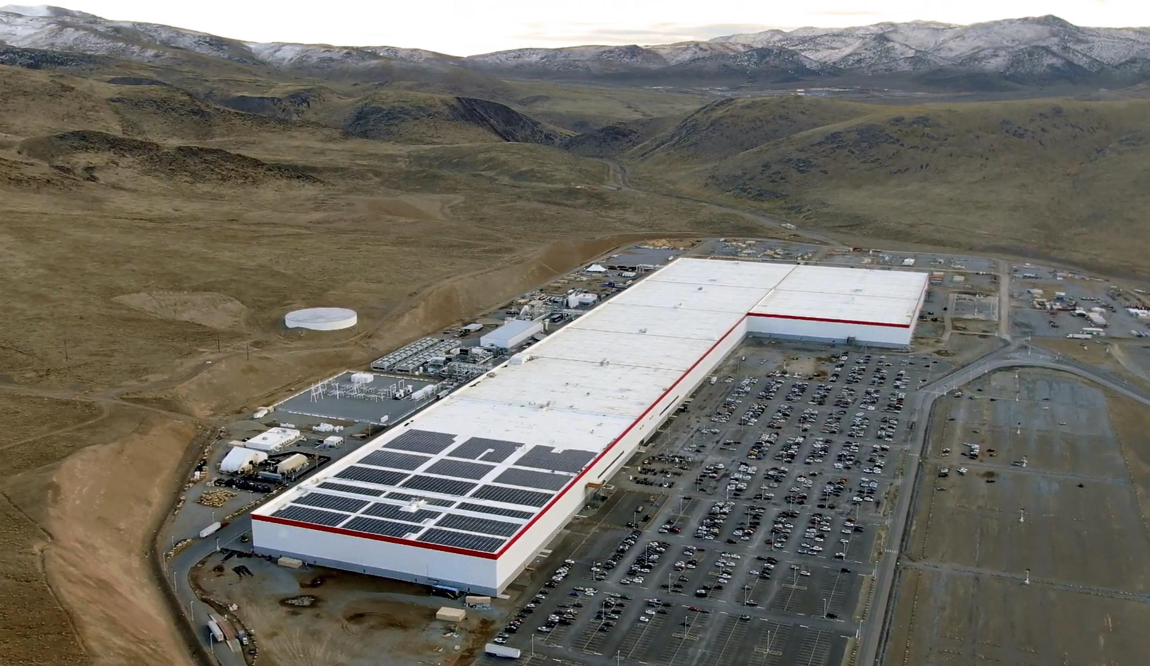 Tesla_Gigafactory_1