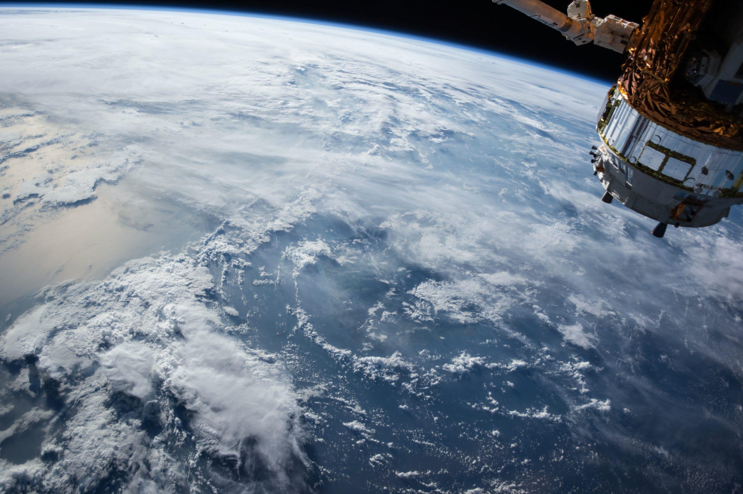 satellite-1030779