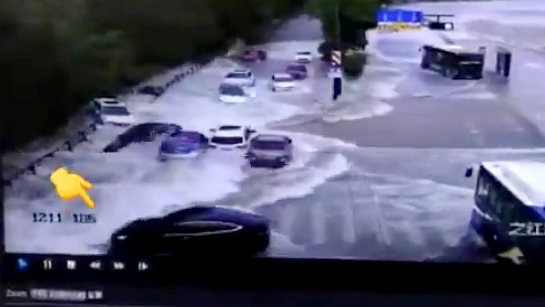 tesla-flash-flood