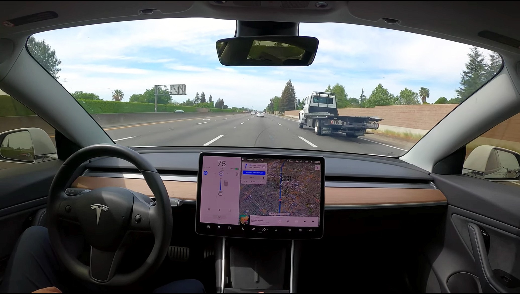 tesla-navigate-on-autopilot-fast-lane