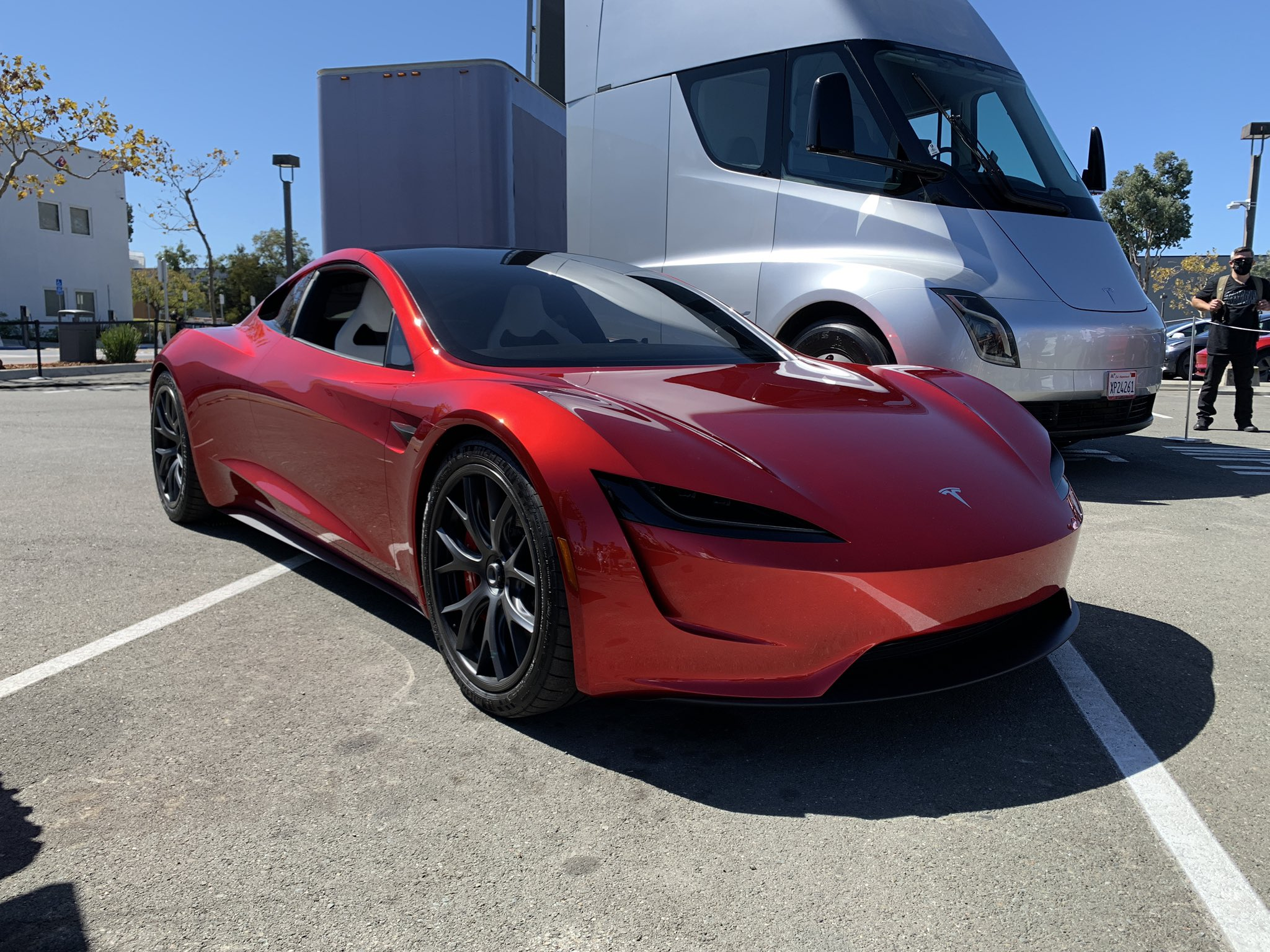 Tesla Roadster and Semi at Tesla Battery Day 2020