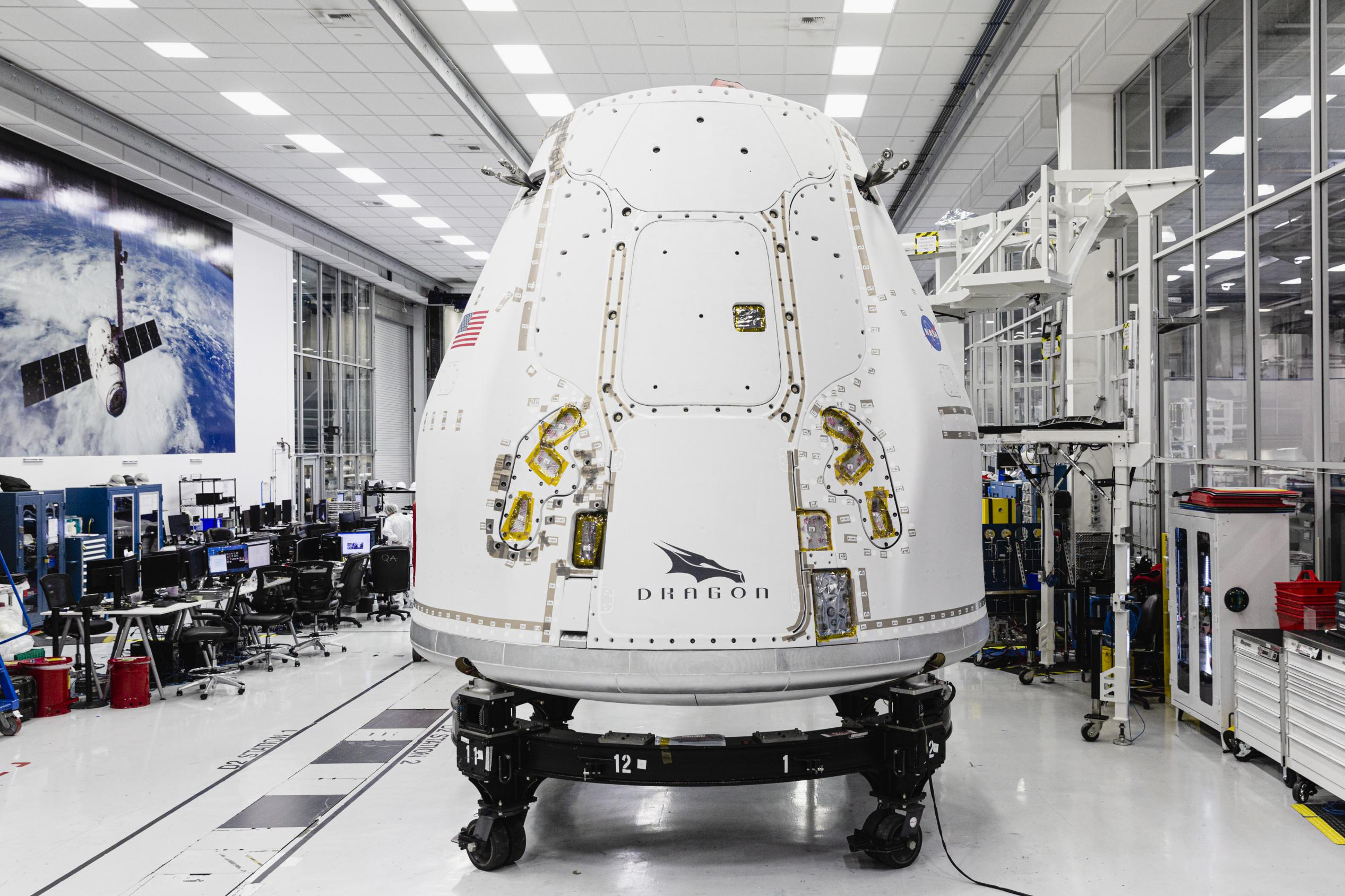 CRS-21 Cargo Dragon 2 Hawthorne Oct 2020 (SpaceX) 1 (c)