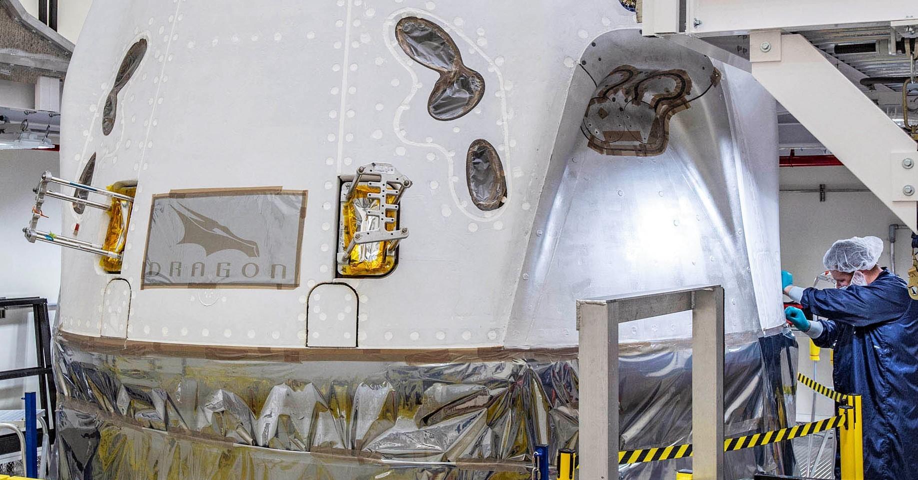 Crew Dragon Crew-1 capsule C207 KSC Oct 2020 (SpaceX) 1 crop