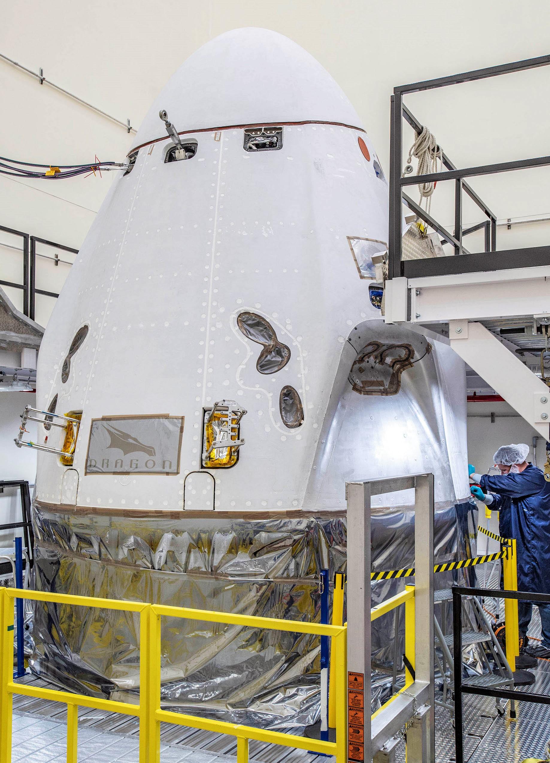 Crew Dragon Crew-1 capsule C207 KSC Oct 2020 (SpaceX) 1f