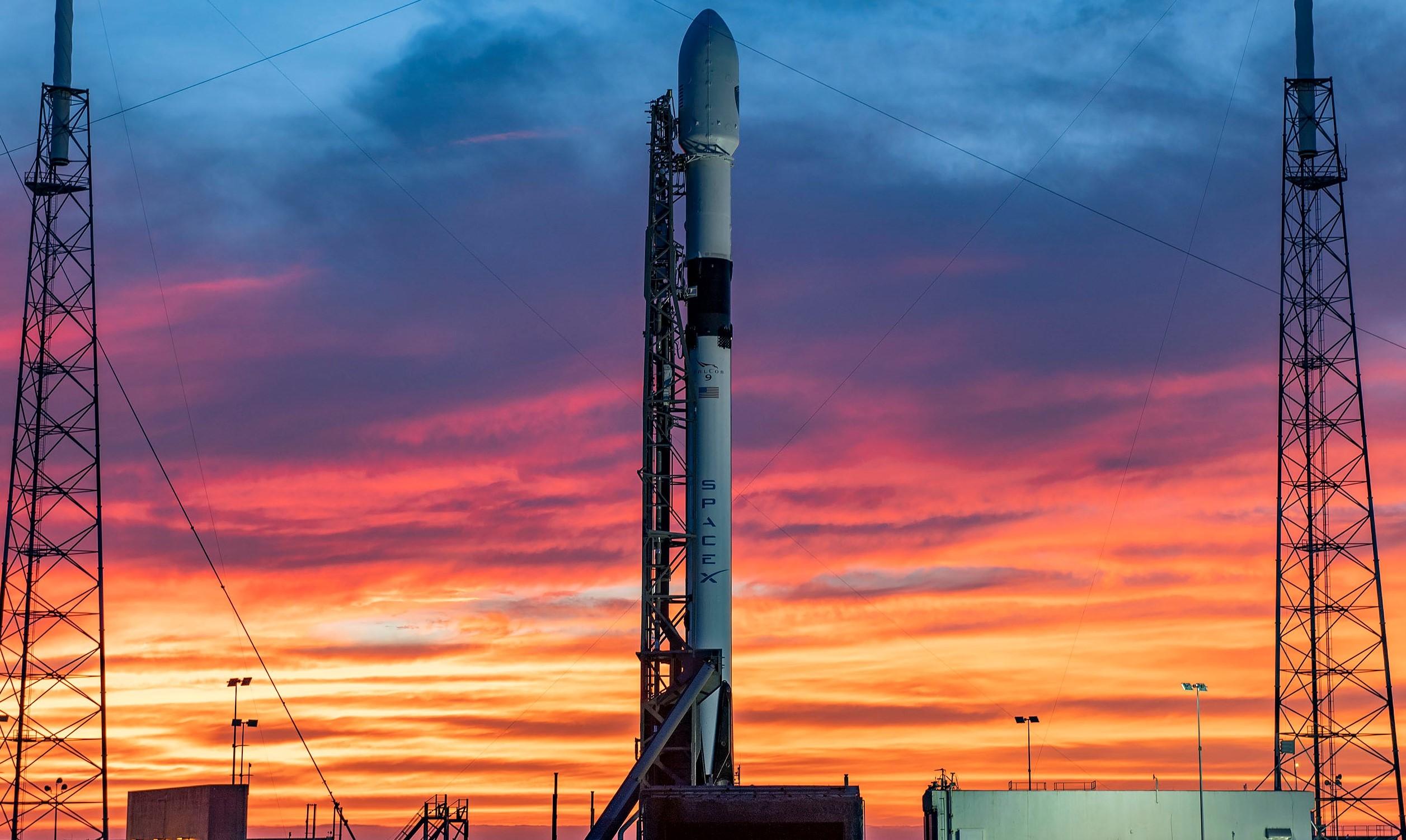 GPS III SV04 Falcon 9 B1060 LC-40 100120 (SpaceX) 3 crop
