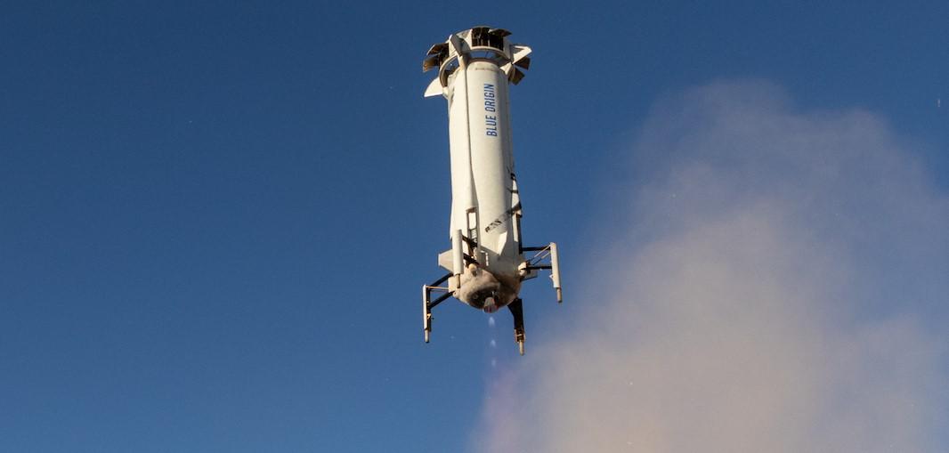 New Shepard Flight 10 landing (Blue Origin) 4 crop